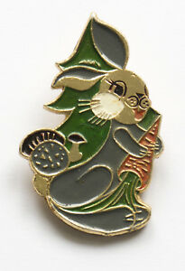 RUSSIAN BUNNY Rabbit Hare with carrot Badge Kid Child Soviet Children Pin