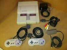 VINTAGE SUPER NINTENDO SYSTEM W  2 CONTROLERS  POWER SUPLAY