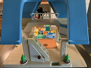Little Tikes Blue Roof Dollhouse + Accessories