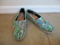 Toms Alpargata Multi-Colored Butterfly Cobblestone Snake Slip On Flats Women 8.5