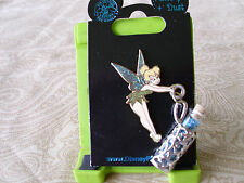 Disney * TINKER BELL with PIXIE DUST DANGLE * New on Card Character Trading Pin