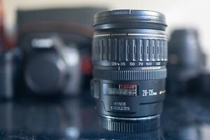 Canon EF 28-135mm f/3.5-5.6 IS Lens in Like New Condition