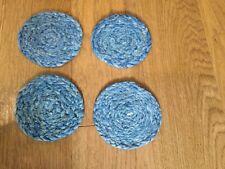 Esteras de al lado-Juego de 4 Posavasos de paja azul de al diámetro 10 Cm