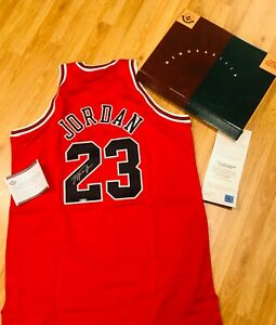 MICHAEL JORDAN SIGNED AUTO CHICAGO BULLS MITCHELL & NESS JERSEY UDA 1997-98 Red
