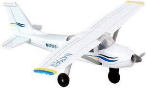 Runway24 RW065 Cessna 172 2000 Skyhawk White Blue 1:87 Scale Diecast with Runway