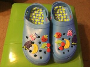 WOMEN'S BLUE PLATFORM CROCS US SIZE 10/10.5(EU SIZE 41) WITH CHARMS INCLUDED