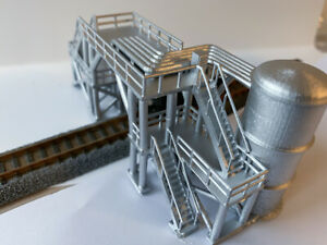 N SCALE FUEL LOADING AND DISCHARGE FACILITY