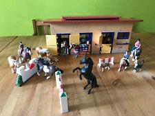 Schleich Reiterhof 40164 Pferdestall Pferdehof mit Pferden, Reitern, Zubehör