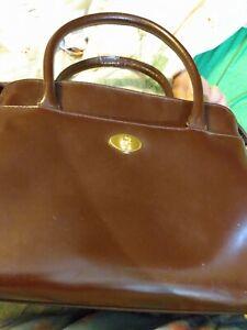Etienne Aigner handbag leather vintage, Burgundy. Great Shape