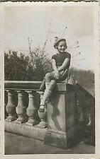 PHOTO ANCIENNE - VINTAGE SNAPSHOT - ENFANT FILLE MODE CHAPEAU BONNET - FASHION