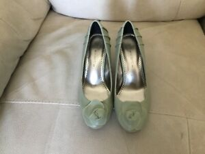 marks and spencer ladies sage green shoes size 3.5