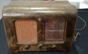 1946 STC MODEL 140 TIMBER VALVE RADIO VINTAGE working order with original plug