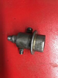 MERCEDES 420SEL 560SL 560SEL 560SEC FUEL PRESSURE REGULATOR 0438161013