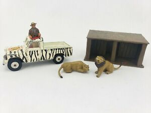 Corgi Toys Lions of Longleat Land Rover