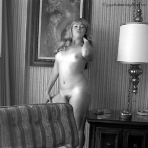 Bunny Yeager 1972 Pin-up Camera Negative Pretty Mod-Era Nude At Jockey Club Fab
