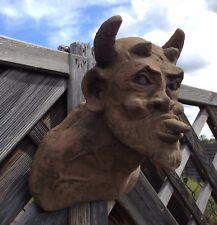 Wandbild Skulptur Teufel Dämon Gargoyle Antik Look Sandstein Steinguß H 65 ROT