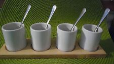 4 ramequins / tasses sur socle en bois +  cuillères