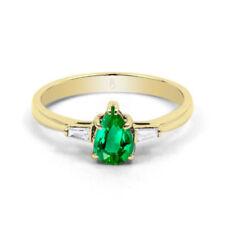 Anelli di lusso con gemme smeraldo verdi diamante