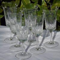 Service de 6 verres à vin en cristal taillé Haut. 15,4 cm