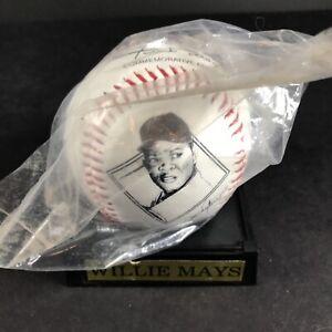 Willie Mays Replica Signature Baseball Avon 1995 Commemorative