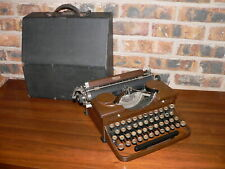 Vintage Royal P-model Portable Manual Typewriter~Woodgrain Body, Glass Keys