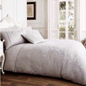 NEW Silver Jacquard Damask Luxury Bedding Duvet Set All Sizes