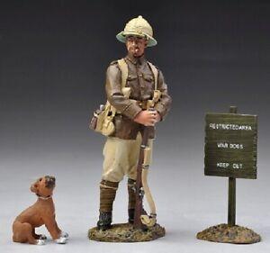 Thomas Gunn - GW025B -   British Guard & Boxer Puppy