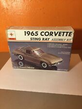 Vintage Renwal 1965 Chevy Corvette Sting Ray 1/48 Scale Car Model Kit #136