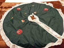 Vintage Hand Made Quilted Tree Skirt Poinsettia Beaded Sequins Lace Batted Xmas