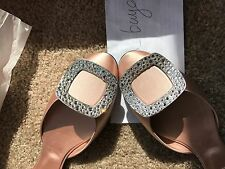 NIB Roger Vivier Chips Strass Crystal-Buckle d'orsay Flat Nude size 36