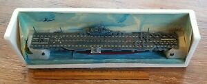 Gearbox Military Classics U.S.S. Intrepid CV-11 Aircraft Carrier 1:700 No Box