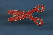 Pin's pin COIFFURE SAINT REMY CISEAUX DE COIFFEUR (ref 069)