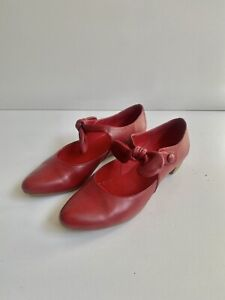Django & Juliette 39 Red Leather Pointed Bow Detail Flats