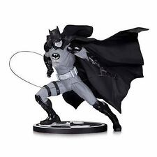 Batman Black and White Ivan Reis Statue NEW!