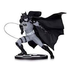 Batman Black and White Ivan Reis Statue NEW!