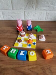 Peppa pig edible cake toppers. Peppa & George Set