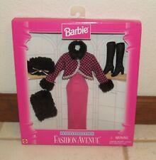 Barbie Fashion Avenue 1996 Internationale Winter in Russia Pink, Black, Fur New