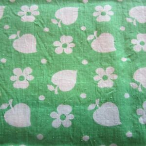 50cm x 92cm Lime Green Daisy Floral Retro Vintage Cotton Sewing Fabric 1960s