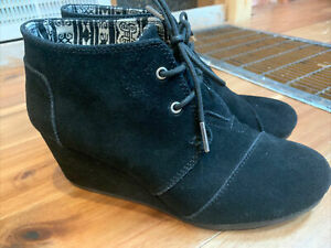 TOMS Wedge Bootie Ankle Boots Black Suede Shoes Women's Size 8.5 EUC