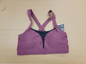 New Under Armour Womens Sports Bra Size M MD fitted with pads NWT