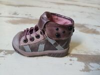 Chaussures Fille 20 - Neuves Babybotte - Modèle ARTIKEUR Taupe Rose  (80.00 €)