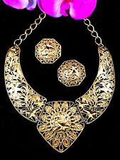 JOSE MARIA BARRERA FOR AVON GOLDTONE FALLING LEAVES NECKLACE PENDANT EARRING SET