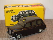 London Taxi Cab van Budgie Models 101 England in Box *6587