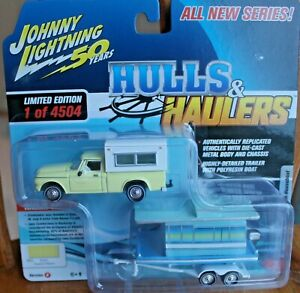 2020 JOHNNY LIGHTNING HULLS /& HAULERS 1960 STUDEBAKER TRUCK WITH HOUSEBOAT.