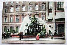 Postcard-Berlin-bergasbrunnen on the Castle Square 1911