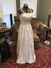 """Alyce Designs Wedding Dress Size 8 Waist-floor 40"""" C12pix4size/detail.MAKE OFFER"""