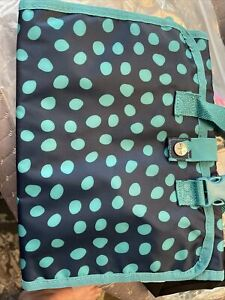 NWT Thirty One Timeless Beauty Bag NEW.