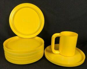 Heller Massimo Vignelli Yellow 7 Salad Plates 1 Maxmug Coffee Cup Melamine