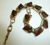 """Vintage 1970's Brown Thermoset 7"""" bracelet in Gold Tone Finish Mint Condition"""