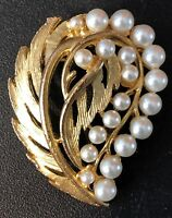 "VINTAGE LEAF PIN BROOCH 20 FAUX PEARLS GOLD TONE 1 1/2"" LONG"